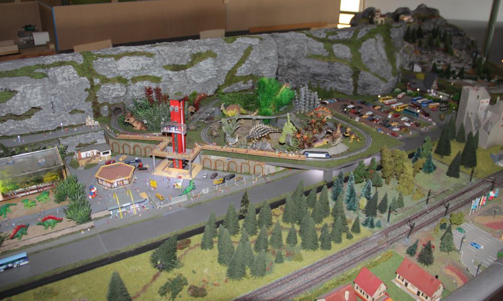 Dinotopia auf der N-Anlage der SAM Troisdorf, http://sambahn.de/