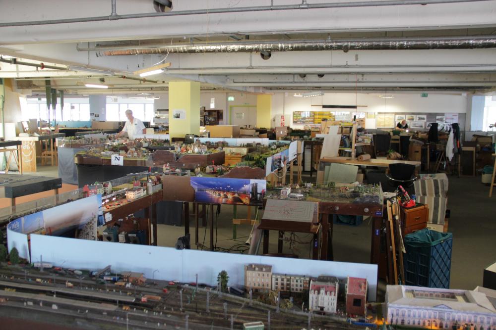 Ein Blick über die N-Anlage und ins Klubheim der SAM Troisdorf